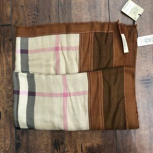 Burberry scarf!!NEW